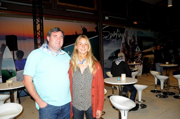 Mario Cruz Leo con Leticia Canales Subcampeona de Europa de Surf y Mundialista