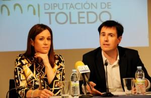 Presentación actividades IV Centenario Muerte Cervantes, en la foto la Directora General de Turismo, Ana Isabel Fernández Samper, el coordinador del IV Centenario, Gabriel González Mejías